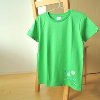 手描きTシャツ(Mサイズ・片面ペイント) 〔緑×クローバー〕
