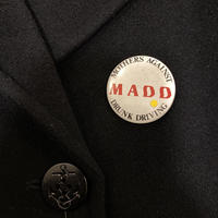 "[USED] ""M A D D"" 缶バッチ"