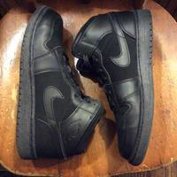 [USED] '2012 NIKE AIR JORDAN 1st ALL BLACK!!
