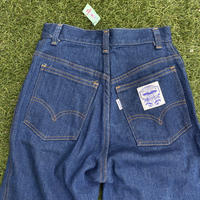 [USED] WOMENS Levis 濃紺 made in U.S.A.