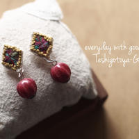 手刺繍とアップルサンゴのピアス
