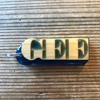 "GEE ORIGINAL KEYHOLDER  ""GEE""  / BLUE"