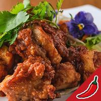 鶏の唐揚げ スパイシーソースがけ/タイ田舎料理 クンヤー