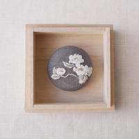Mayumi Tomita 椿 光琳図案刺繍