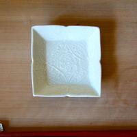 Asami Maeda  いっちん白磁角豆皿