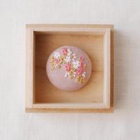 Mayumi Tomita 桜刺繍ブローチ