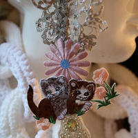 Luxury lace necklace twin cat