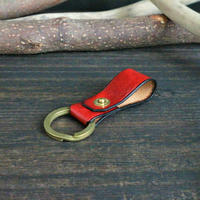 リベットキーホルダー ※イタリアンレザーCORFU(コルフ) 革色レッド