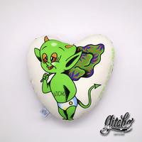 緑の悪魔クッション