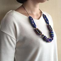 ハンドメイド刺繍ネックレス(ネイビー)