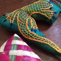 ハンドメイド刺繍ヤモリのチャーム