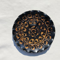 Flower motif wall hanging ceramic plate