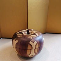 箱根寄木細工 無垢作り りんご小物入れ