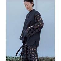 ERiKOKATORi「Tape embroidery shirts」black.