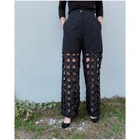 ERiKOKATORi「Tape embroidery pants」black.