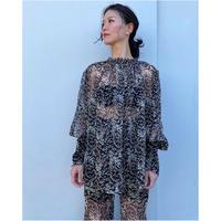 ERiKOKATORi「flower chiffon blouse」BLK.