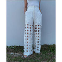 ERiKOKATORi「Tape embroidery pants」white.