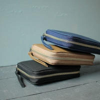 ERA. イーラ  / BUBBLE CALF ROUND PALM WALLET 折り畳み財布
