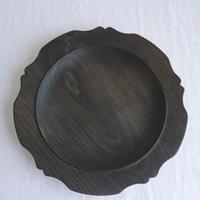 木製輪花皿(クリ・鉄媒染)/     柳弘之