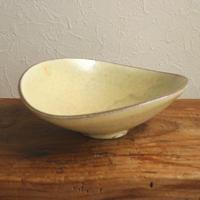 楕円鉢(黄粉引) /  小林徹也