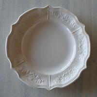 ※ 記録用 19世紀 ランベルヴィレー窯 白いレリーフ皿