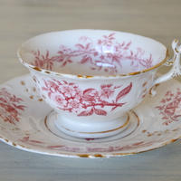 クレイユエモントロー 軟質磁器 English Porcelain 赤い お花柄 ティーカップ&ソーサー #3〖202004-17〗