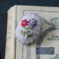 poritorieさんのリボン刺繍 ハナコトバ・ブローチ[piece]