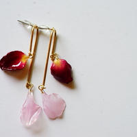 "【petal series】mobile flower earrings(pierce) ""dark rose×carnation """