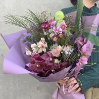Seasonal gift bouquet L