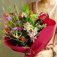 <9月21日お届け>片桐花卉園 ラペイロージャのブーケ(ヘアアクセサリー付)