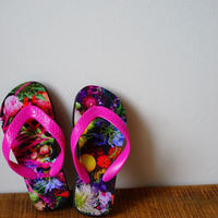 """flower trip"" beach sandals(kids)"