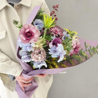 Seasonal gift bouquet M  (March)