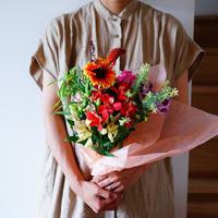 【6月27日お届け】片桐花卉園直送Thank you bouquet!(ミニバングル付き)