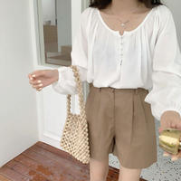 《予約販売》covered buttonblouse