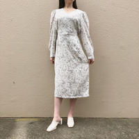 《予約販売》rose v neck one-piece