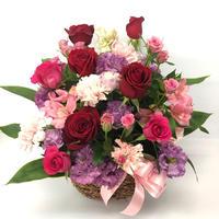 真紅のバラの記念日アレンジメント