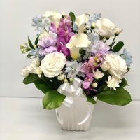 御供 カラーと紫のお花のアレンジメント