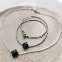 black  square  short  necklace    silver or white[vintage]