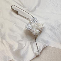Juuji white brooch[1点限り]