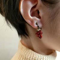 赤葡萄の耳飾り