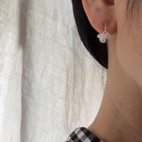 hirahira  white  pierce