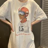 helmet girl Tシャツ