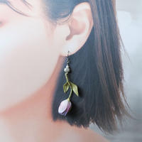 チューリップピアス 薄紫(片耳)(イヤリング交換可能)