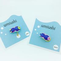 ウミウシピアス/イヤリングオリジナルカラー青紫(オパール粉末入り片耳)