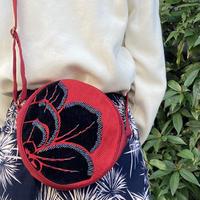 ビーズ刺繍ラウンドポーチ(フラワーレッド)
