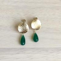 グリーンオニキスのまるいイヤリング
