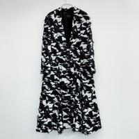 【1/10~2/15WEB注文受付中】漆黒が散らす妖しきひかりのジャケットコート