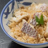 鯛の風味が食欲をそそる!ご飯に混ぜて炊くだけ!大分県産「鯛めしのもと(2合用)」