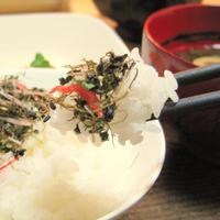 七彩昆布※昆布をベースに、いか、鱈、干しえび、わかめ、いりごま、梅ごま、あおさのり(75g)