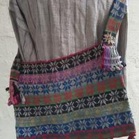 マガール族のお母さんの手編みバッグ フラワーモチーフ B